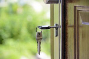 Locksmith, keys door